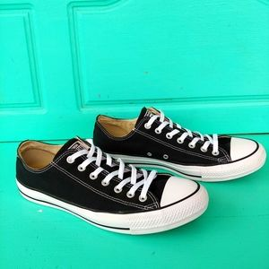 Converse All-Star black low tops unisex M 11/W 13